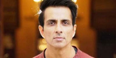 Sonu Sood Tawarkan Hotelnya di Mumbai Sebagai Tempat Peristirahatan Petugas Kesehatan