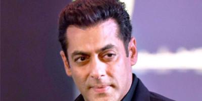 Salman Khan Minta Penggemarnya Dukung dan Bantu Keluarga dan Penggemar Sushant Singh Rajput