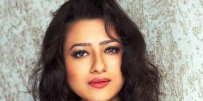 Siap Berdebut di TV, Madalsa Sharma Didukung Sang Ayah Mertua Mithun Chakraborty