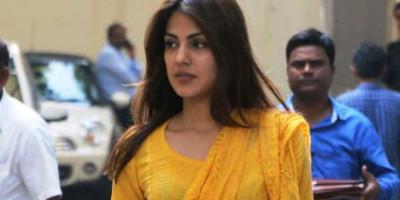 Permohonan Jaminan Ditolak, Rhea Chakraborty Tetap Dipenjara Hingga 6 Oktober