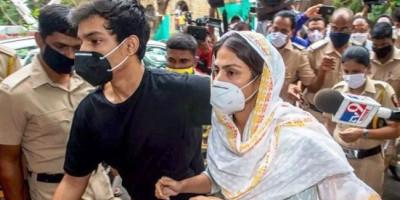 Sidang Pembelaan Jaminan Rhea Chakraborty Ditunda Hingga 29 September