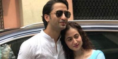 Shaheer Sheikh - Ruchikaa Kapoor Menikah Secara Sederhana
