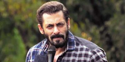 """Salman Khan Pinjamkan Suaranya untuk Film """"Kaagaz"""""""