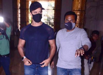 Hrithik Roshan Tiba di Kantor MCB Terkait Kasus Melawan Kangana Ranaut