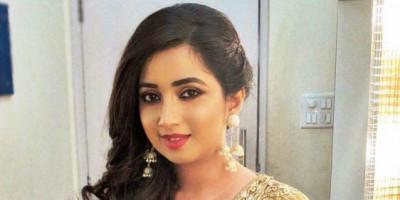 Setelah 5 Tahun, Penyanyi Playback Top Bollywood Shreya Ghoshal Dikaruniai Seorang Bayi Laki-laki