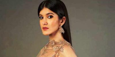 Akhirnya  Shanaya Kapoor Membuat Debut Aktingnya di Bollywood
