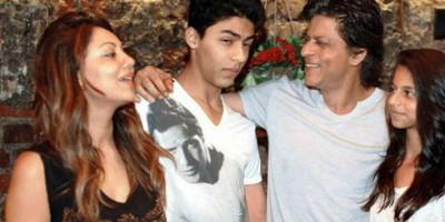 Dilarang Bertemu, Aryan Khan Video Call dengan SRK dan Gauri dari Penjara Mumbai